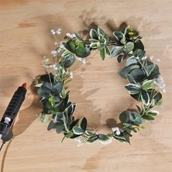 DIY Bostik Indonesia tutorials wreath project step 4