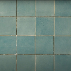 Bostik DIY France How to remove glue from tiles step 4