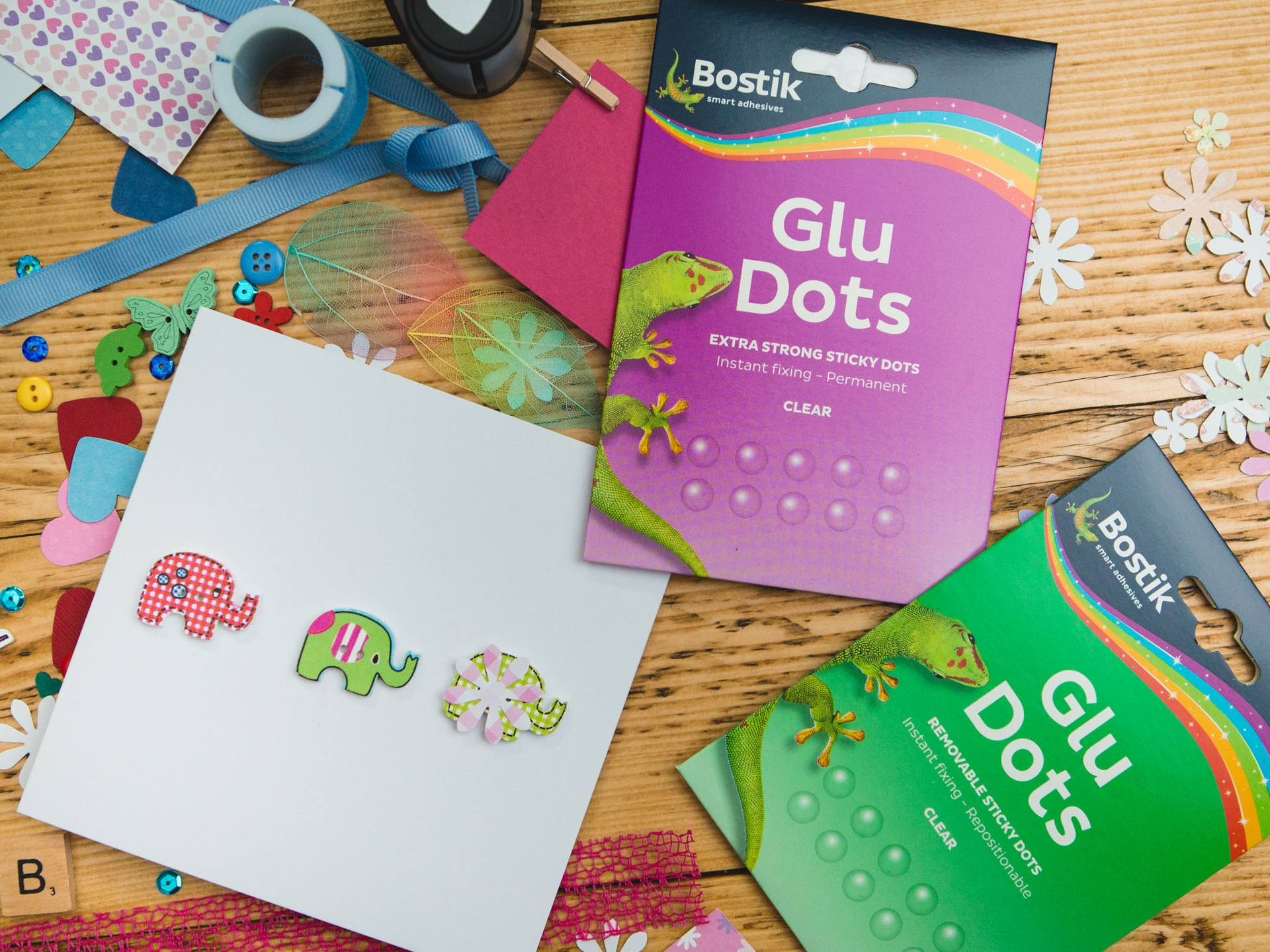 Bostik DIY Glu Dots White United Kingdom Impression