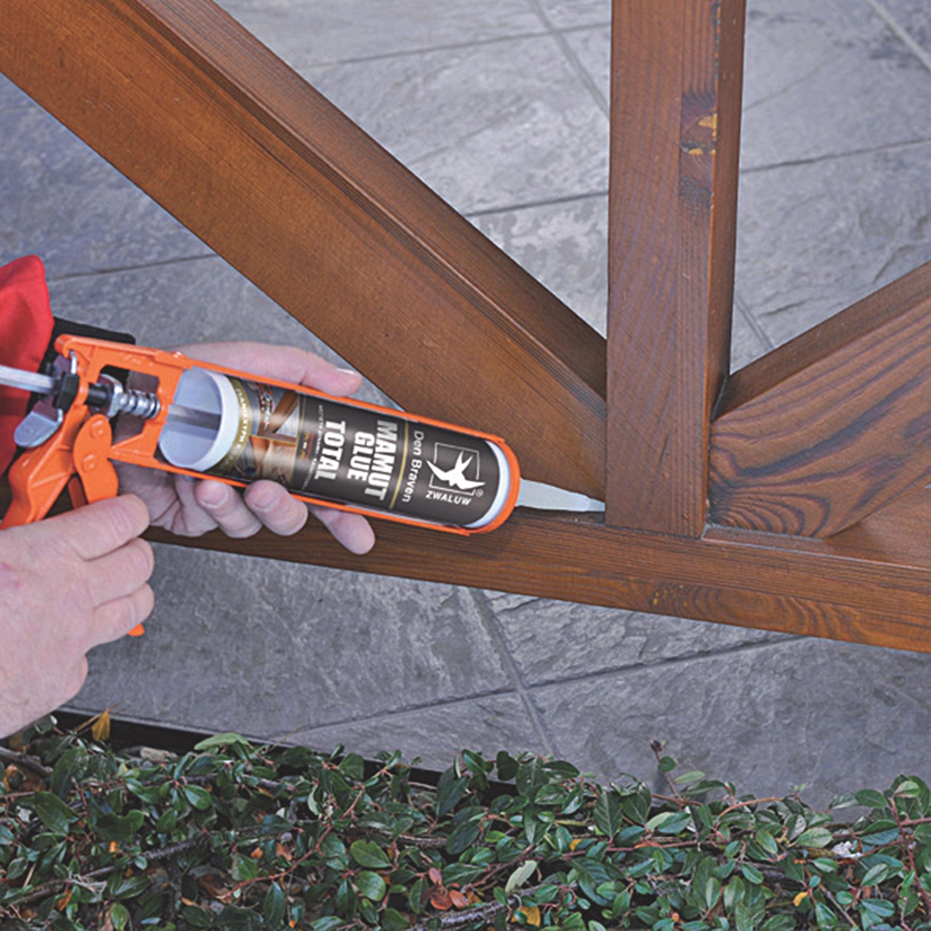 Bostik DIY Greece Mamut Glue Total Application 2