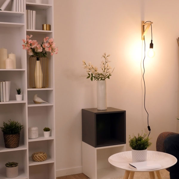 Bostik DIY France Tutorial How to fix a lamp to wall without drilling teaser image