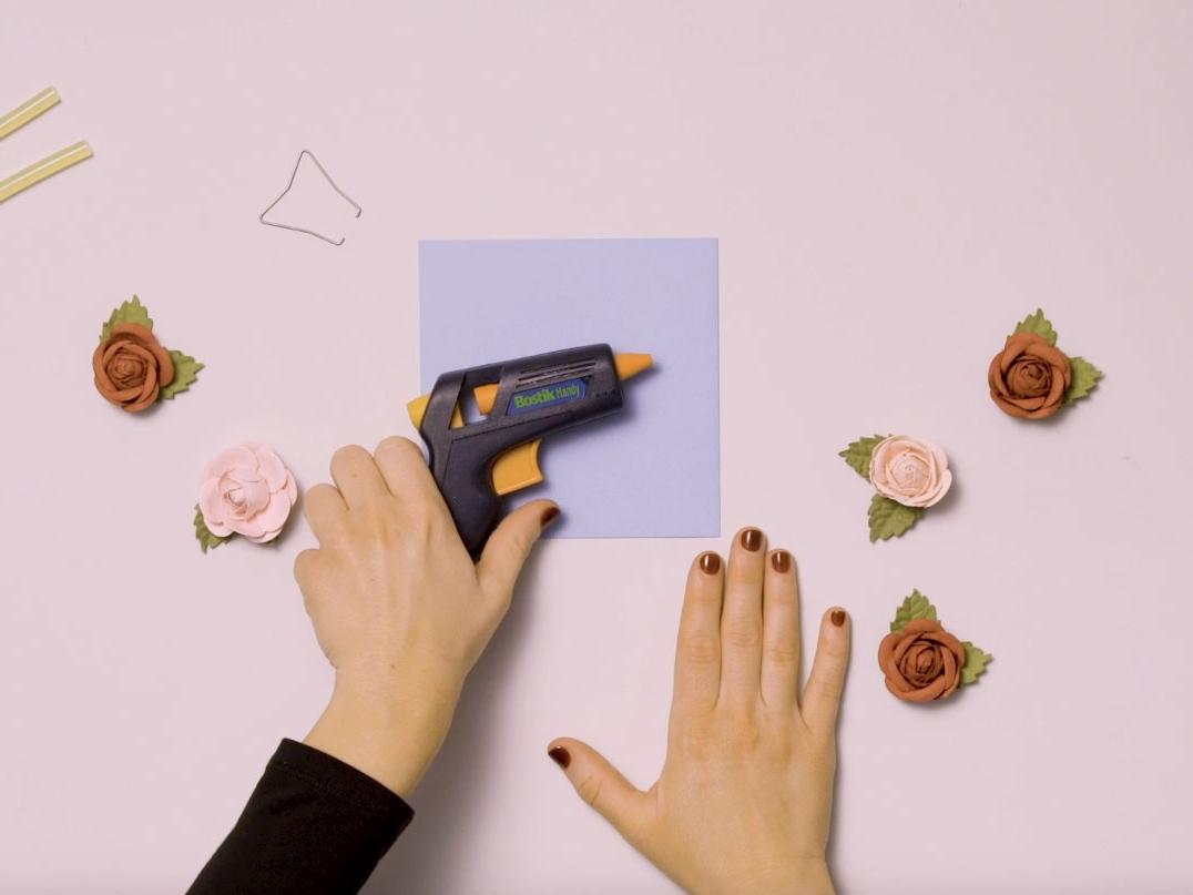Bostik DIY United Kingdom how to use Glue Gun step 1