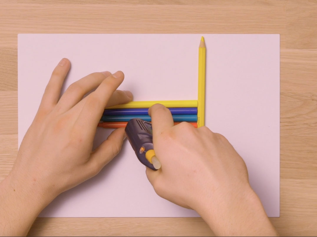 Bostik DIY United Kingdom how to use inspired Glue Gun step 1