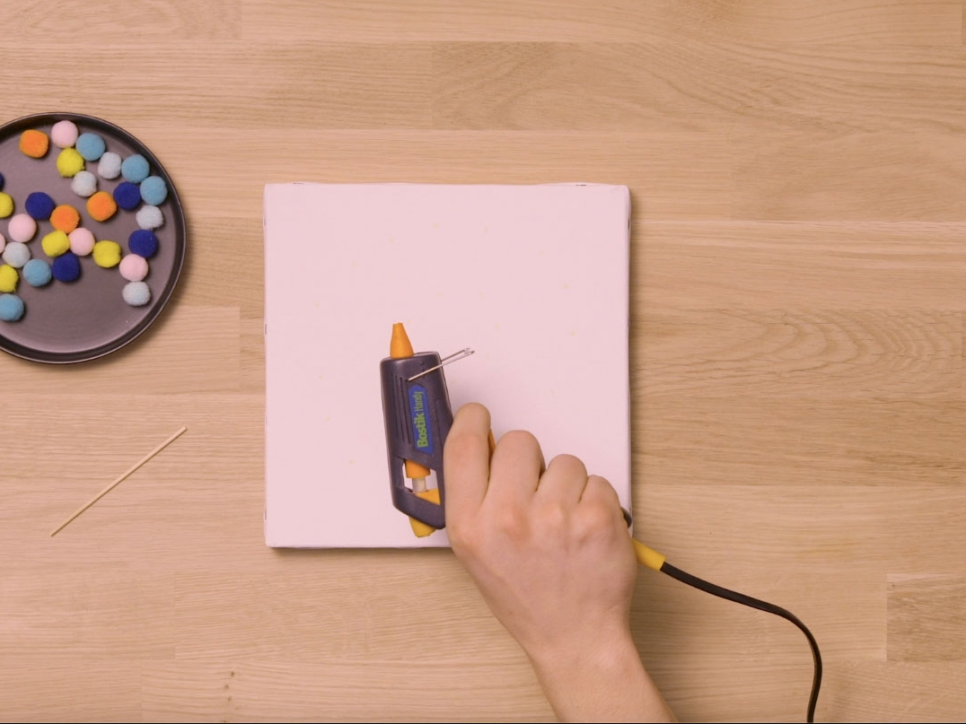 Bostik DIY United Kingdom how to use inspired Glue Gun step 4