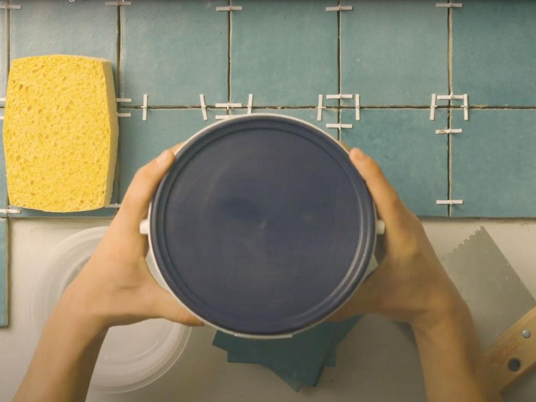 Bostik DIY France how to glue your tiles step 1