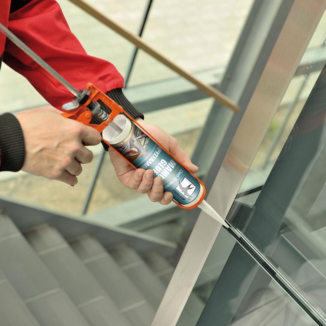 Bostik DIY Greece Mamut Glue Crystal Application 3