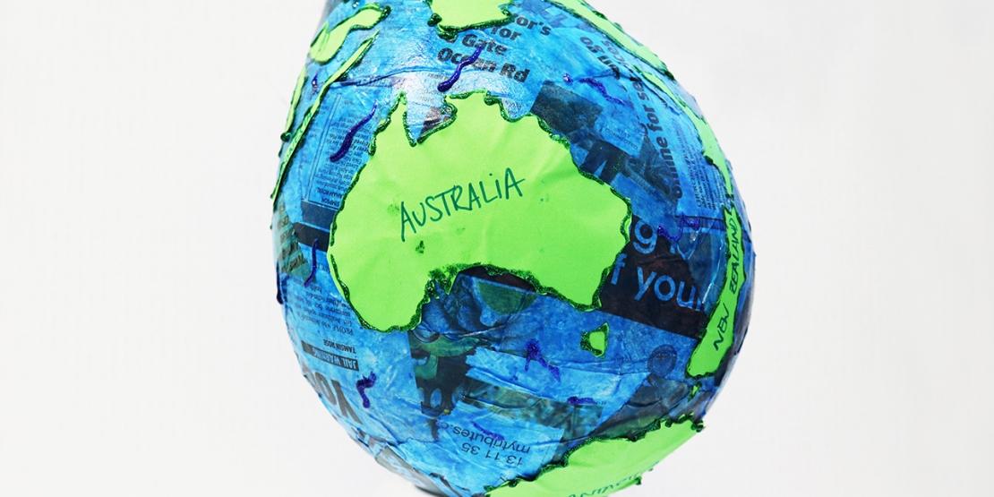 Bostik DIY tutorial World Globe Banner