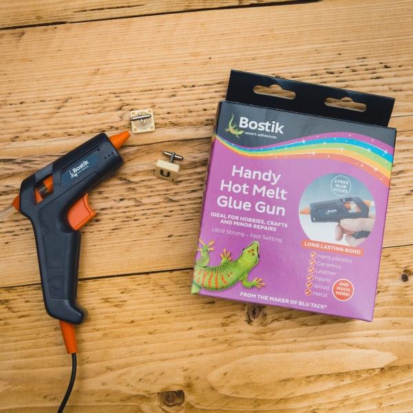 Bostik DIY Handy Hot Melt Glue Gun United Kingdom Packshot Version 2