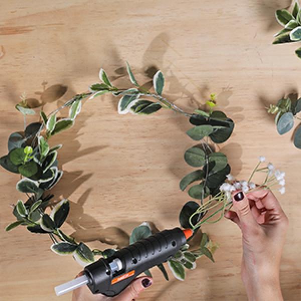 DIY Bostik Indonesia tutorials wreath project step 3