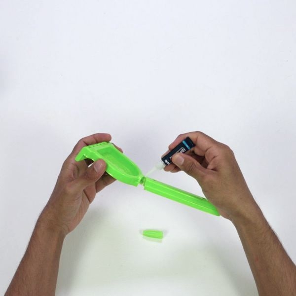 Applying Bostik Fix & Glue to a broken plastic toy