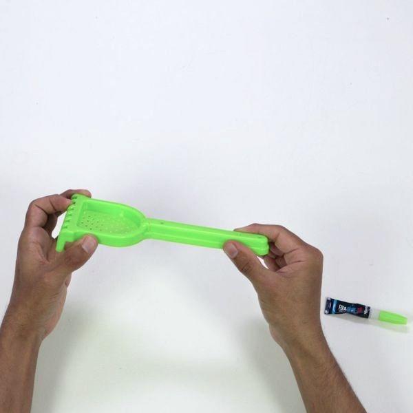 Repairing a plastic toy with Bostik Fix & Glue