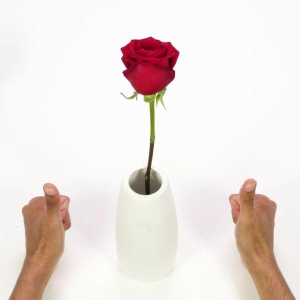 Repair a vase with glue