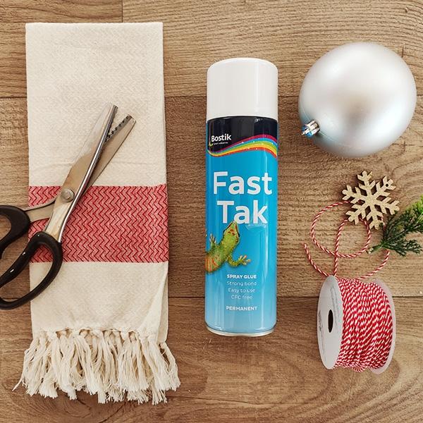 Bostik DIY Greece tutorial bales step 1