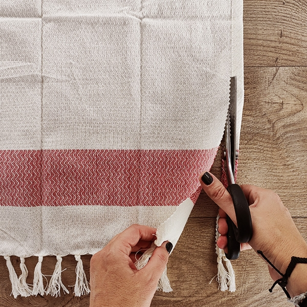 Bostik DIY Greece tutorial bales step 3