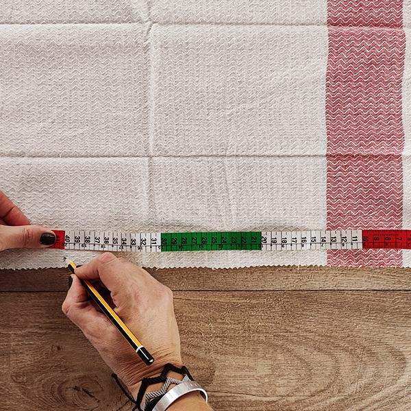 Bostik DIY Greece tutorial bales step 4