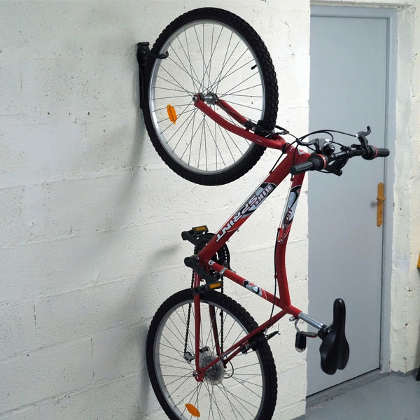 Bostik DIY France Tutorial How to fix a bike rack to wall step 5