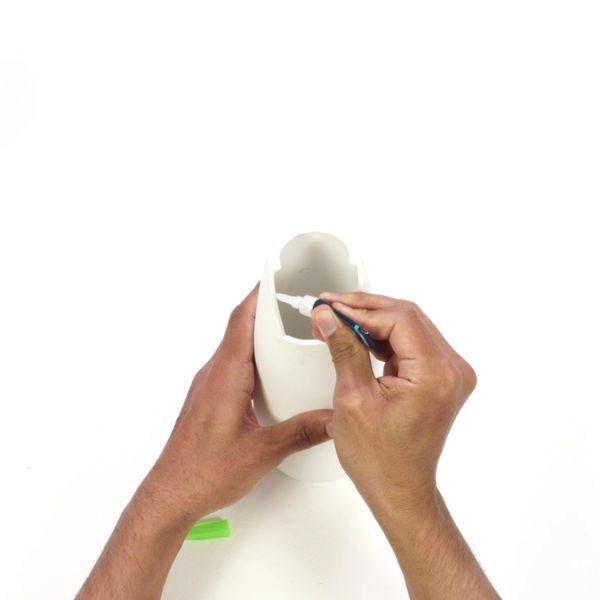 Bostik DIY France tutorial Repair a Vase step 2