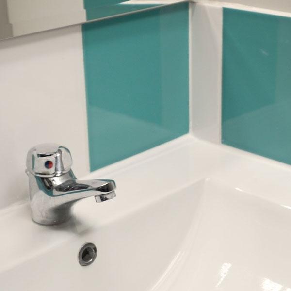 Bostik DIY Germany tutorial how to sea a sink step 5