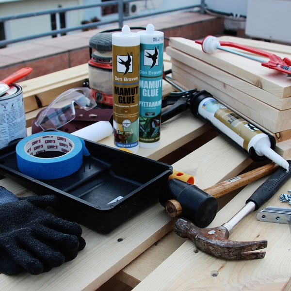 Bostik DIY Greece tutorial palet couch step 1