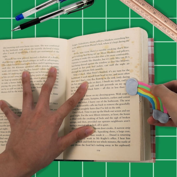 Bostik DIY Philippines tutorial Easy Bookmark Hack with Blu Tack Step 3