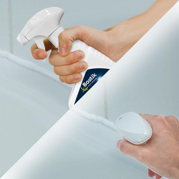 Bostik DIY France tutorial how to seal a shower step 3