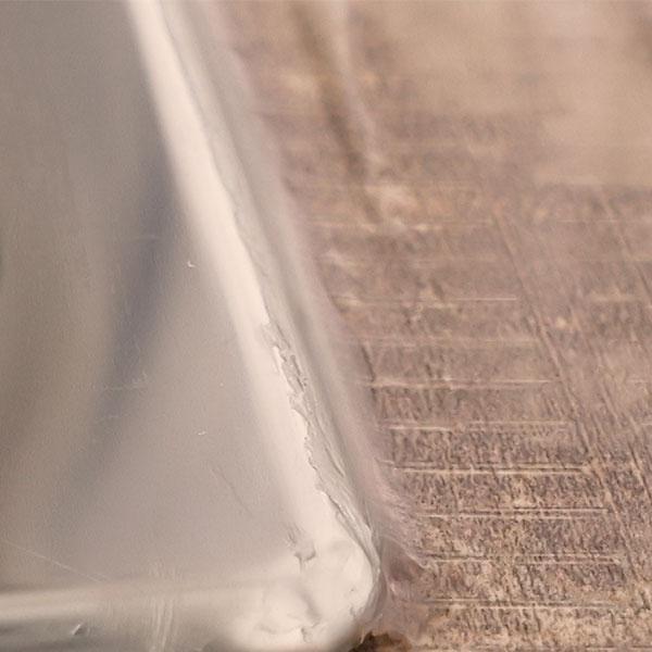 Bostik DIY France tutorial how to seal a washbasin step 5