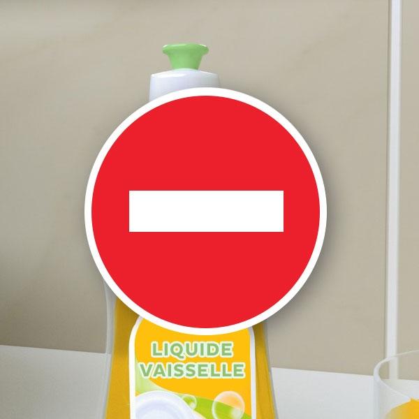 Bostik DIY France tutorial smoothing spray vs dishwashing soap step 1