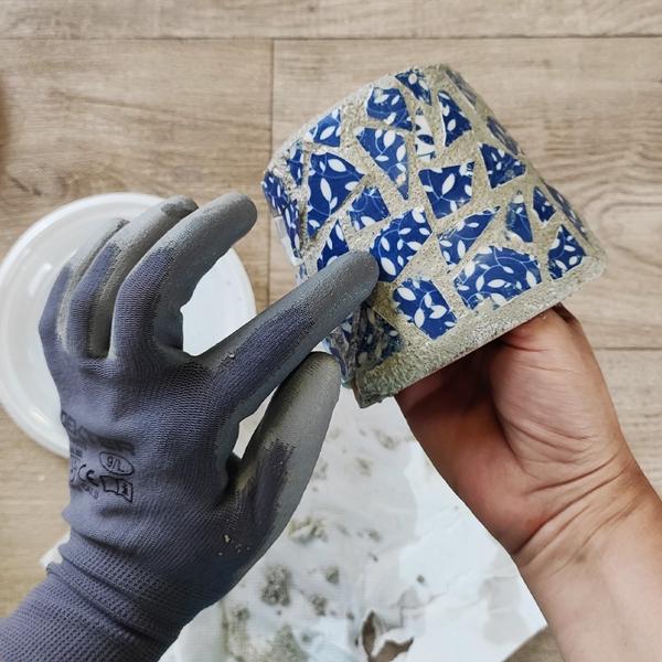 Bostik DIY Greece tutorial Flower Pots step 7