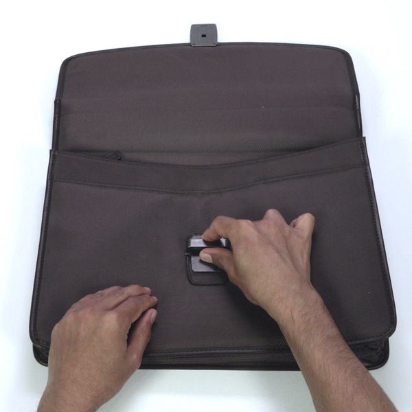 Bostik DIY Poland Ideas Inspiration Repair a Bag step 3