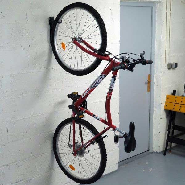 Bostik DIY Germany tutorial How to fix a bike step 5