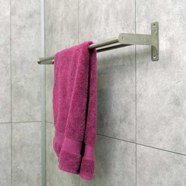 Bostik DIY Germany tutorial How to fix a towel rack step 5