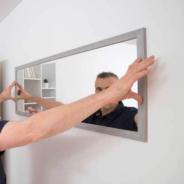 Bostik DIY Germany tutorial How to hang a mirror step 3